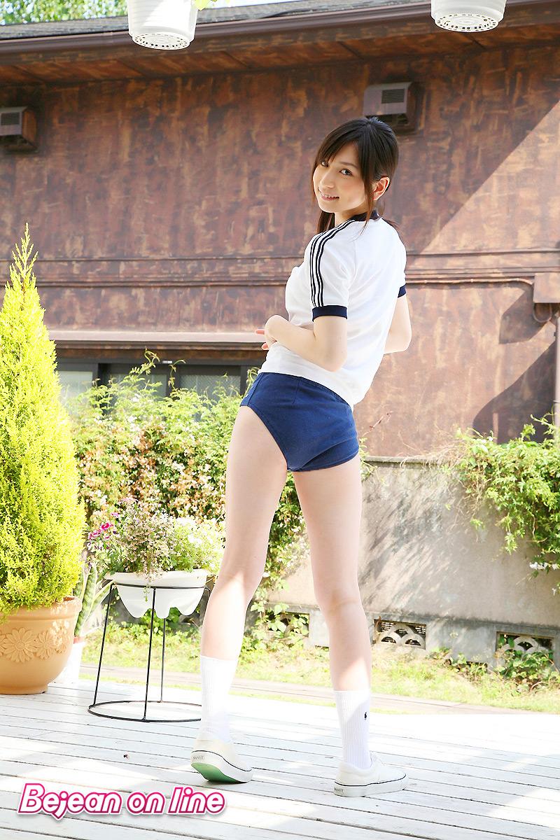 【グラドルブルマ画像】お尻がエッチなグラビアアイドルのブルマ体操着画像 06