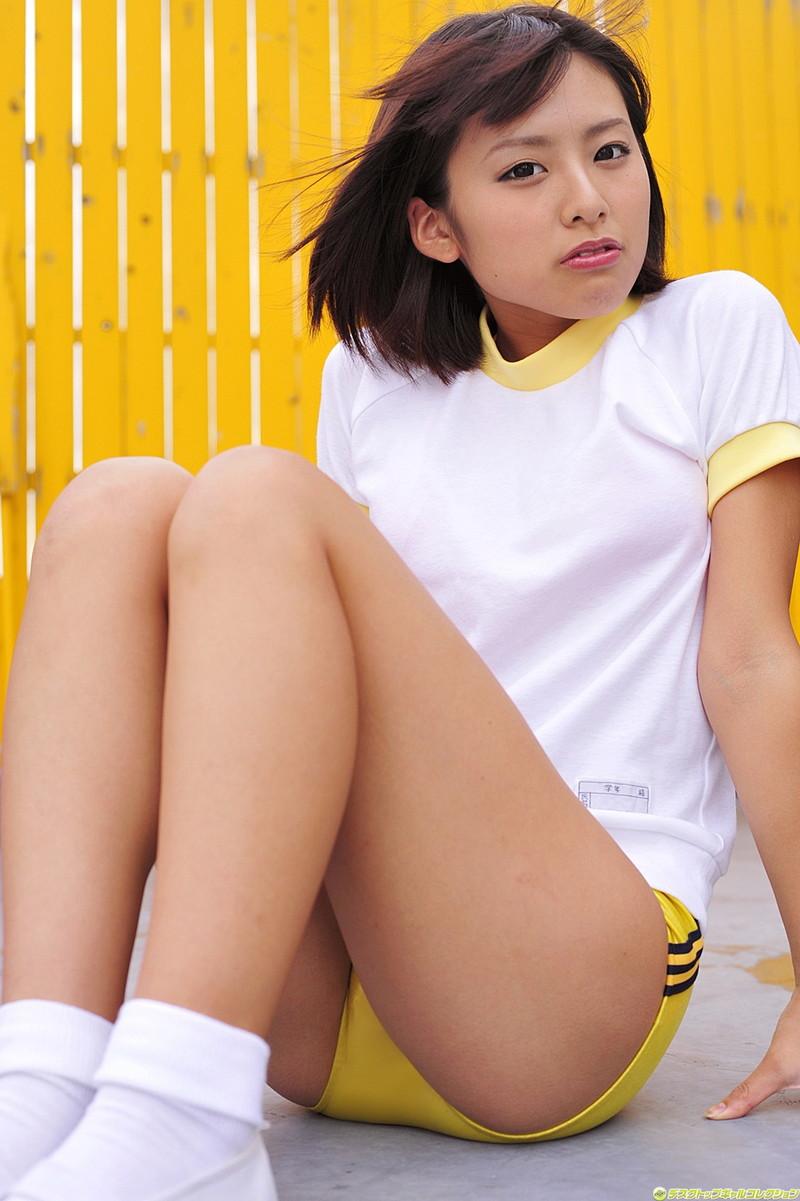 【グラドルブルマ画像】お尻がエッチなグラビアアイドルのブルマ体操着画像 21