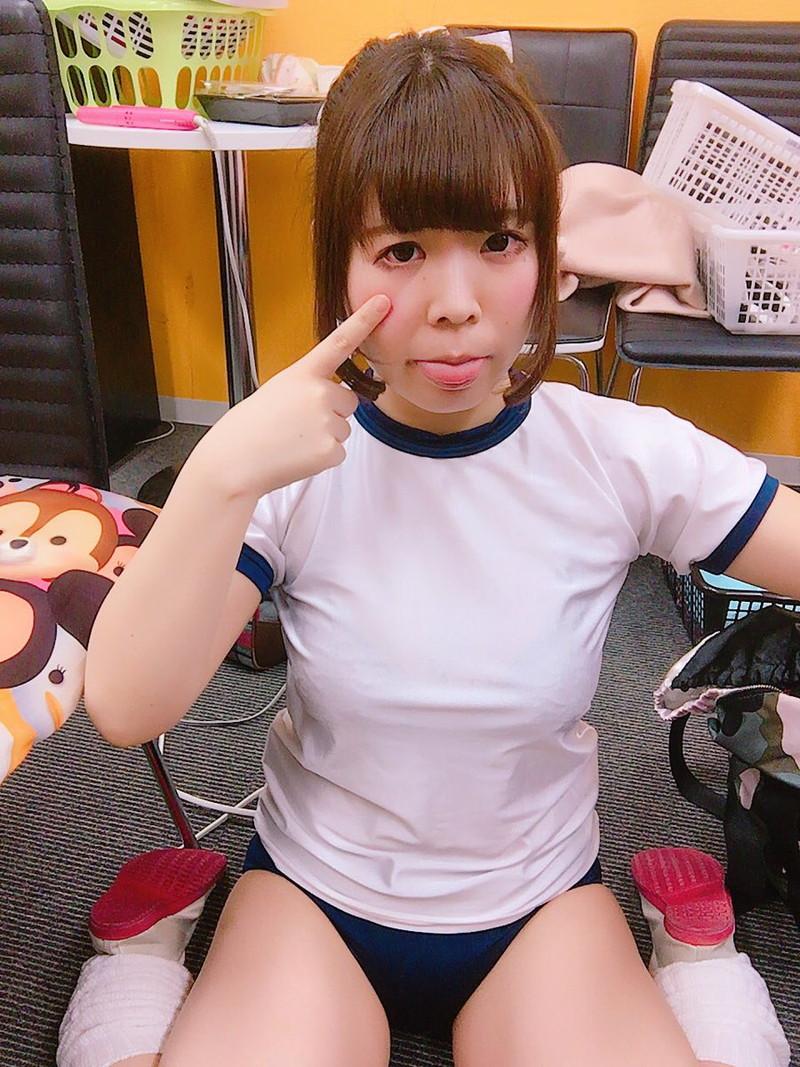 【グラドルブルマ画像】お尻がエッチなグラビアアイドルのブルマ体操着画像 57