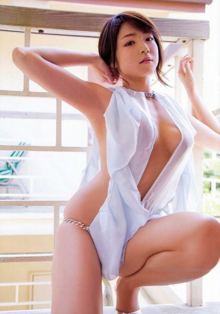 【中村静香グラビア画像】ビキニ姿がエロいFカップボディのセクシーグラドル画像 29