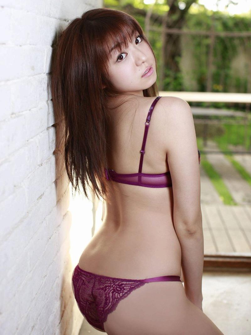 【中村静香グラビア画像】ビキニ姿がエロいFカップボディのセクシーグラドル画像 61