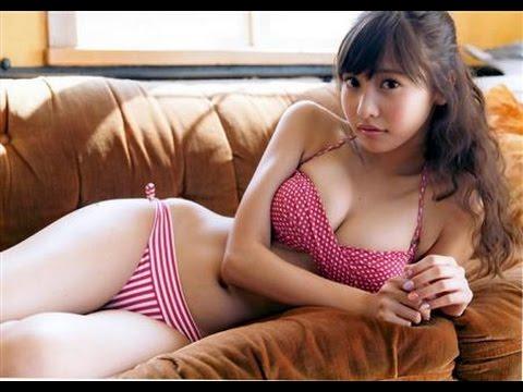 【佐野ひなこグラビア画像】多様な才能を持つFカップ巨乳グラドルの水着画像 03