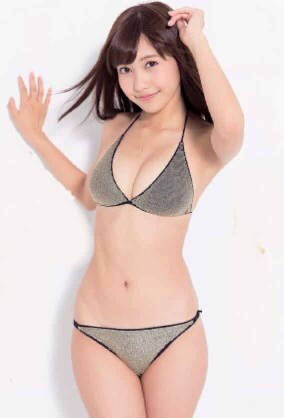 【佐野ひなこグラビア画像】多様な才能を持つFカップ巨乳グラドルの水着画像 12