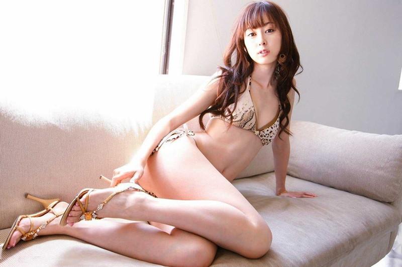【グラドル生足画像】グラビアアイドルの綺麗でエロい生足画像