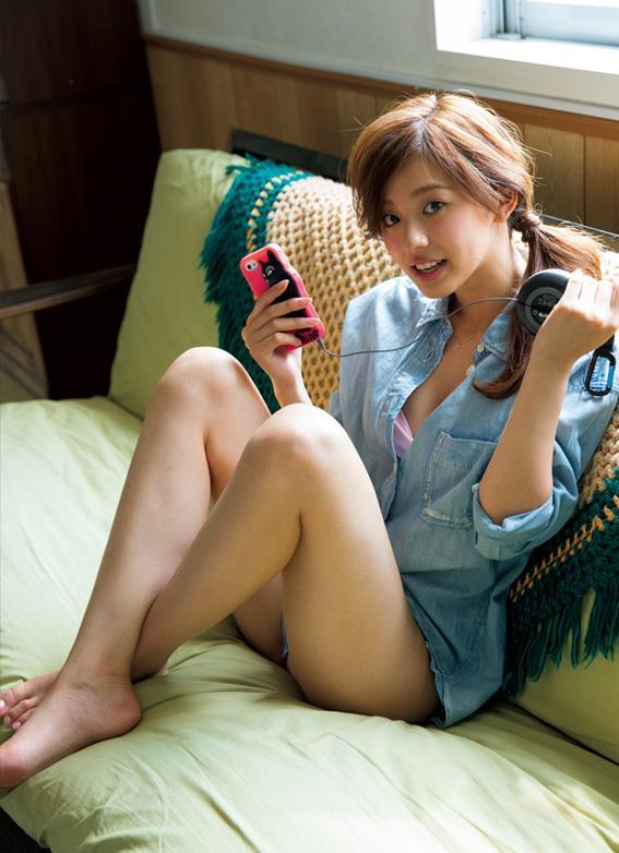 【グラドル生足画像】グラビアアイドルの綺麗でエロい生足画像 35