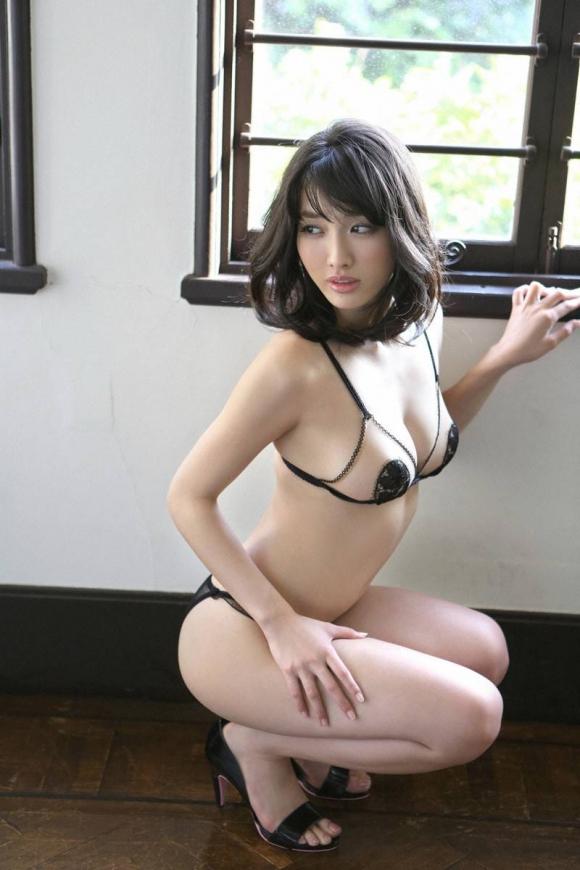 【グラドル生足画像】グラビアアイドルの綺麗でエロい生足画像 39