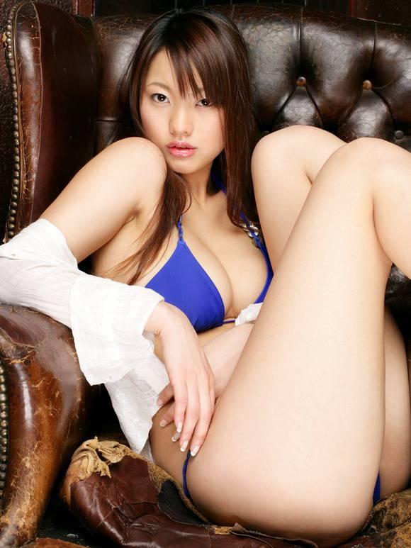 【グラドル生足画像】グラビアアイドルの綺麗でエロい生足画像 54