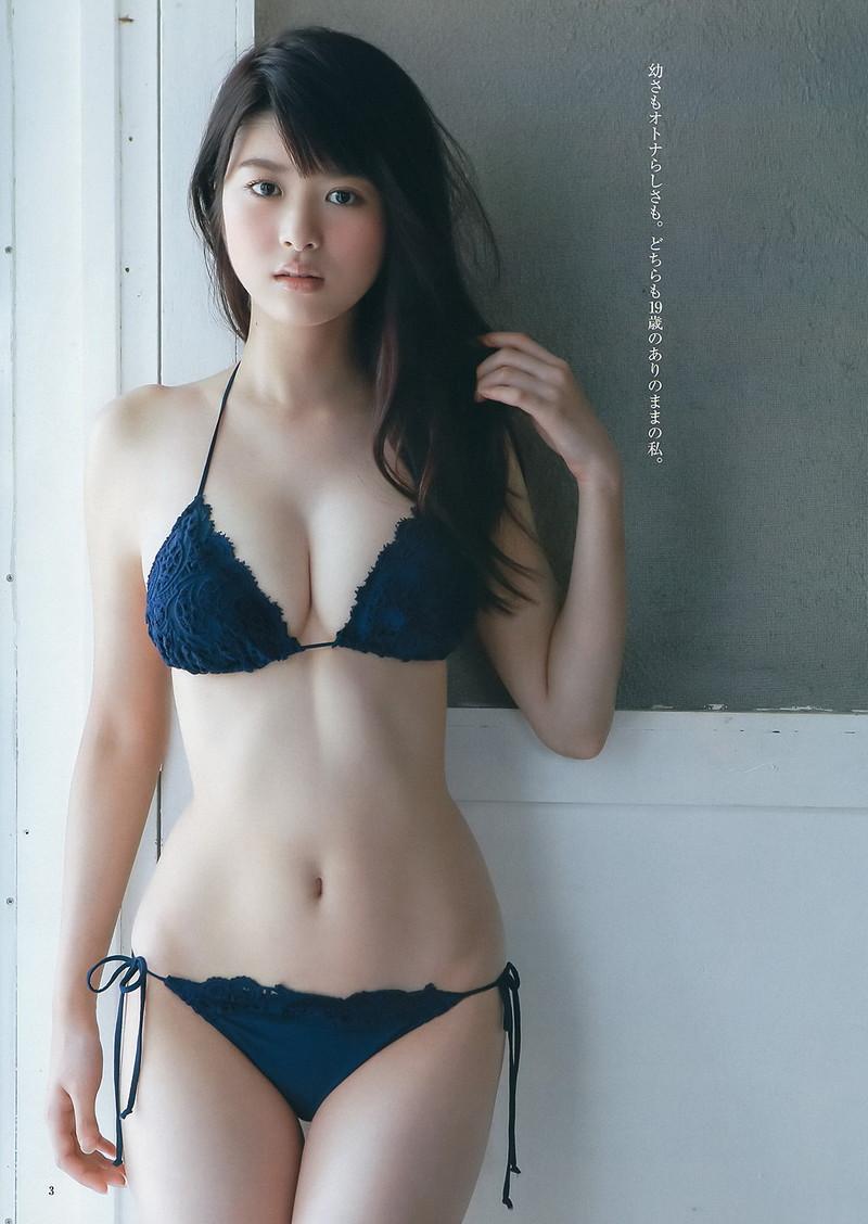 【スレンダー巨乳画像】細い身体に巨乳というギャップがエロい美女画像 79