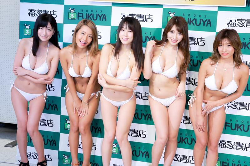 【橋本梨菜グラビア画像】日本一黒いグラビアアイドルの巨乳エロボディ水着画像