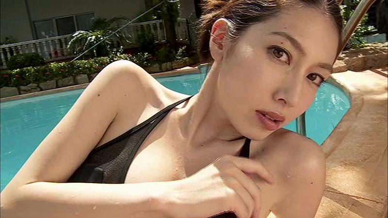 【小林恵美グラビア画像】芸能界引退を発表したグラドル美女のセクシー水着画像 04