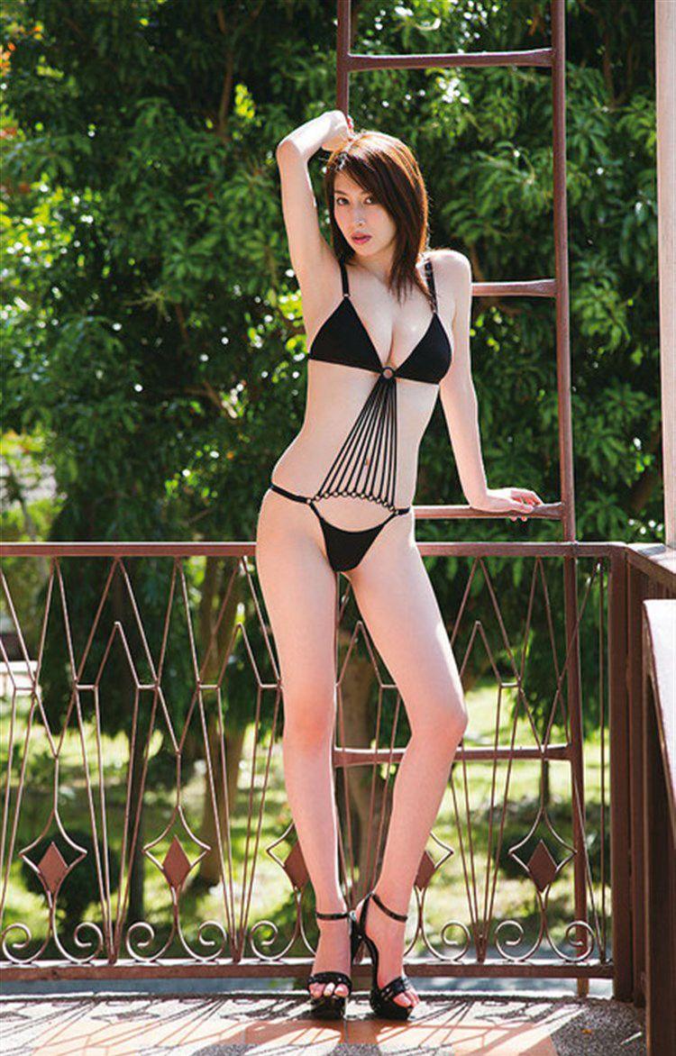 【小林恵美グラビア画像】芸能界引退を発表したグラドル美女のセクシー水着画像 28