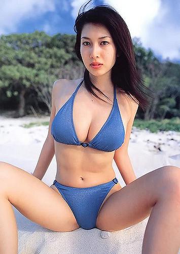 【小林恵美グラビア画像】芸能界引退を発表したグラドル美女のセクシー水着画像 38