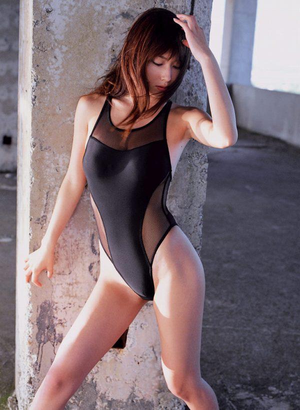 【小林恵美グラビア画像】芸能界引退を発表したグラドル美女のセクシー水着画像 48