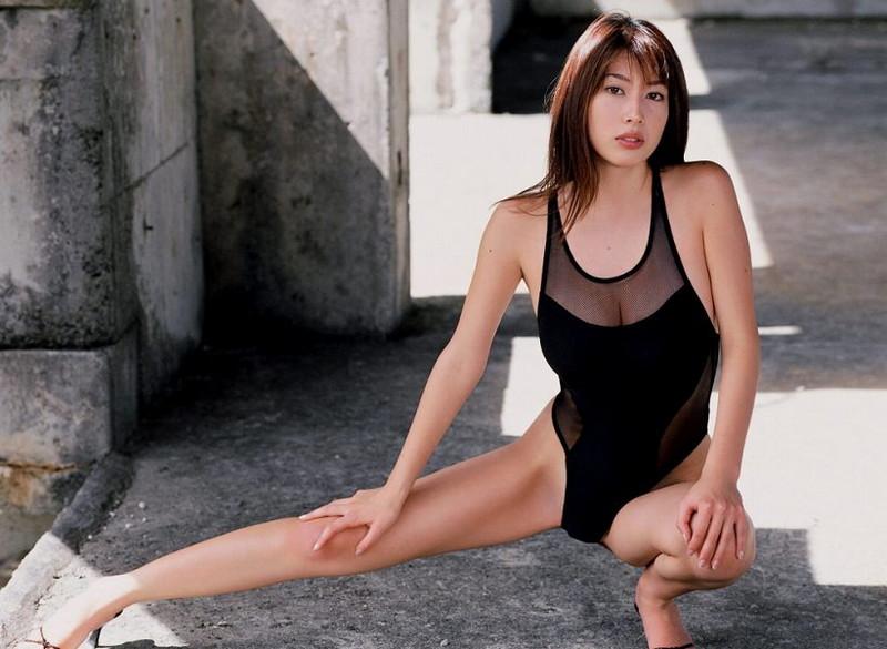 【小林恵美グラビア画像】芸能界引退を発表したグラドル美女のセクシー水着画像 49