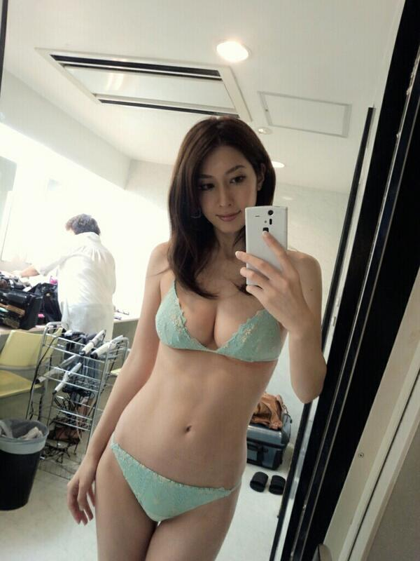 【小林恵美グラビア画像】芸能界引退を発表したグラドル美女のセクシー水着画像 50
