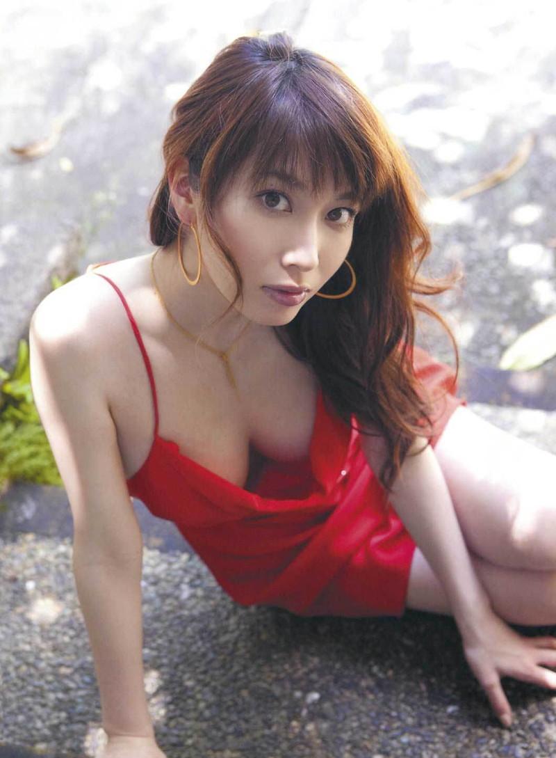 【小林恵美グラビア画像】芸能界引退を発表したグラドル美女のセクシー水着画像 55