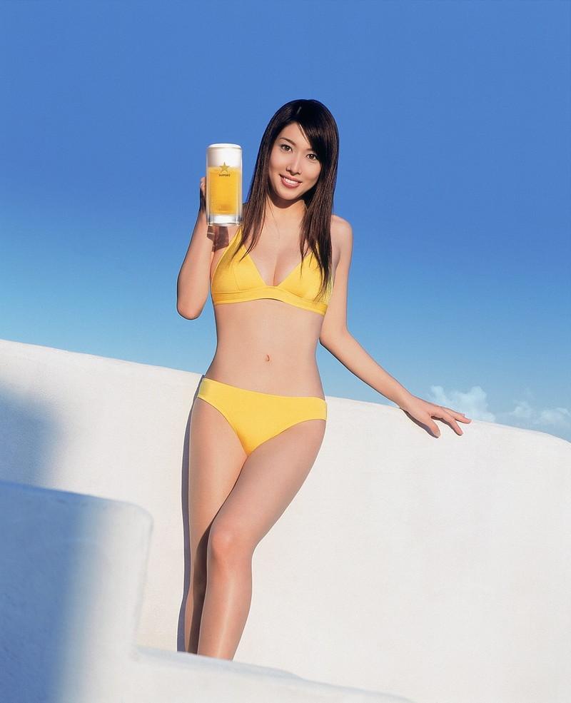 【小林恵美グラビア画像】芸能界引退を発表したグラドル美女のセクシー水着画像 57