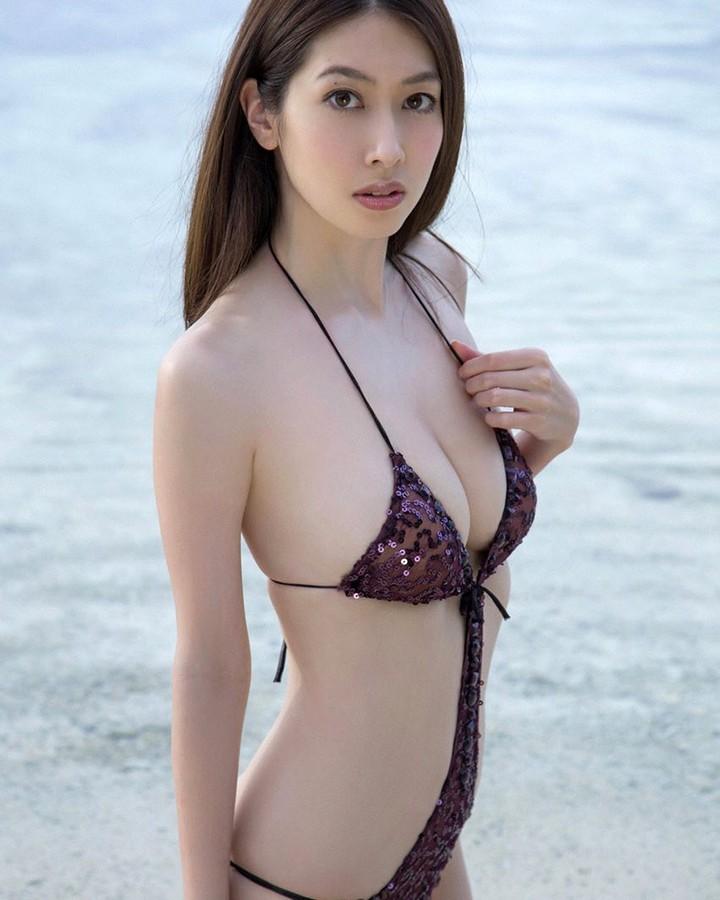 【小林恵美グラビア画像】芸能界引退を発表したグラドル美女のセクシー水着画像 58
