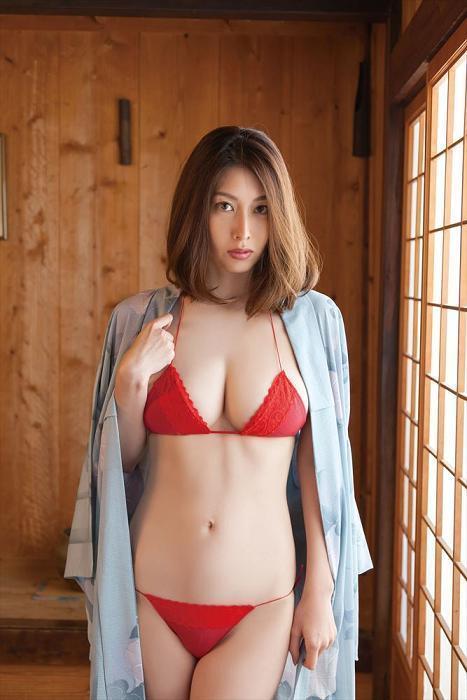【小林恵美グラビア画像】芸能界引退を発表したグラドル美女のセクシー水着画像 59