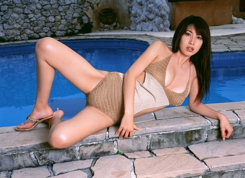 【小林恵美グラビア画像】芸能界引退を発表したグラドル美女のセクシー水着画像 70