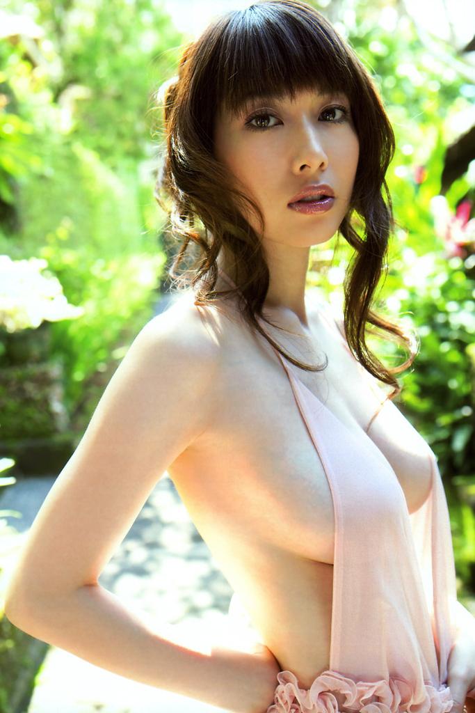 【小林恵美グラビア画像】芸能界引退を発表したグラドル美女のセクシー水着画像 72