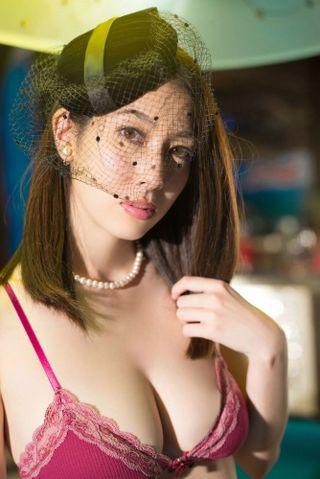 【小林恵美グラビア画像】芸能界引退を発表したグラドル美女のセクシー水着画像 79