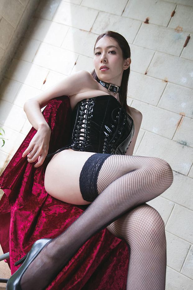 【グラドルボンデージ画像】グラドルやAV女優の激エロなセクシーボンデージ画像 07