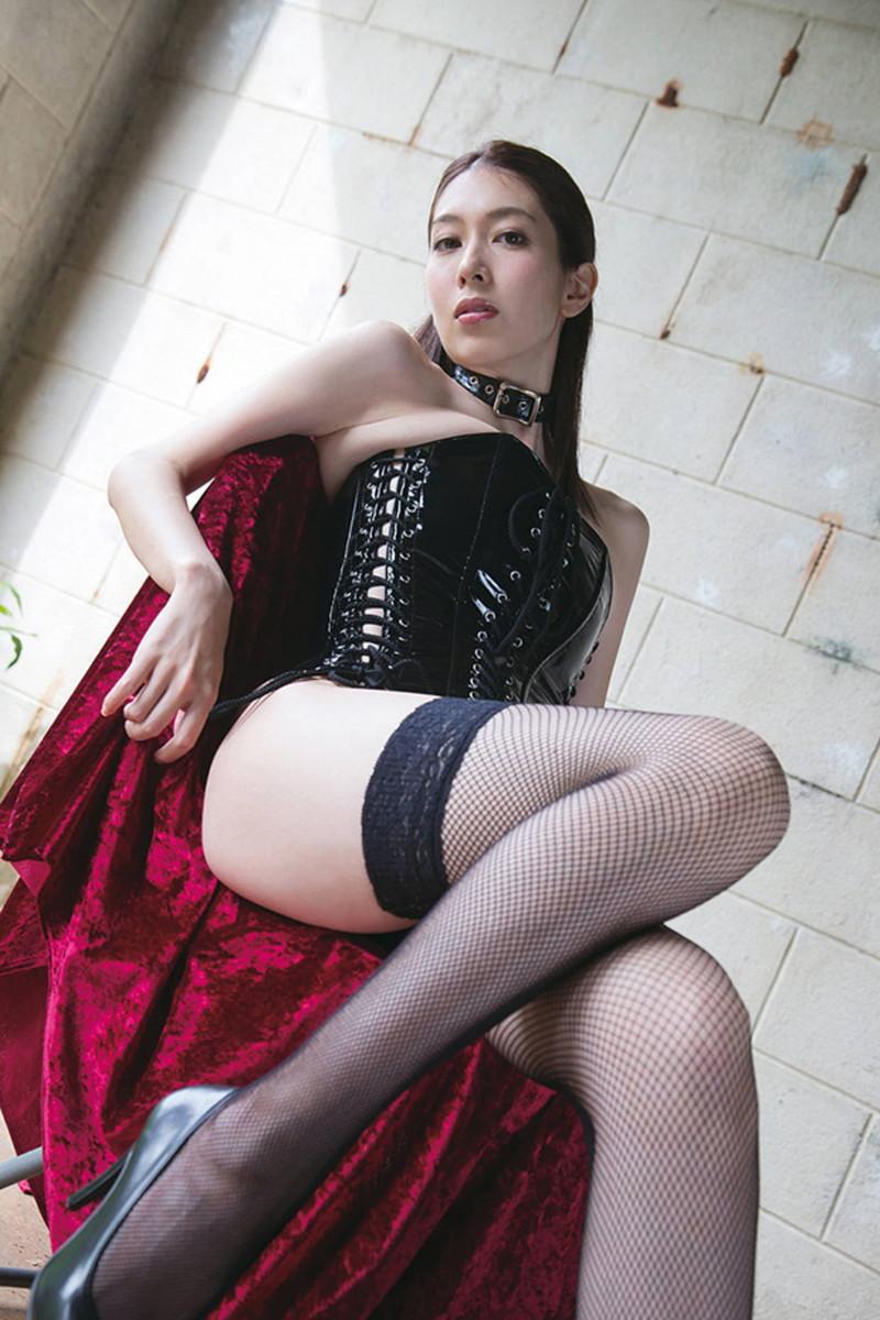 【グラドルボンデージ画像】グラドルやAV女優の激エロなセクシーボンデージ画像 66