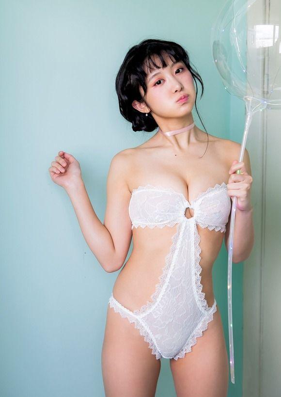 【グラドルエロ水着画像】露出多めなエロデザイン水着のグラビアアイドル画像 12