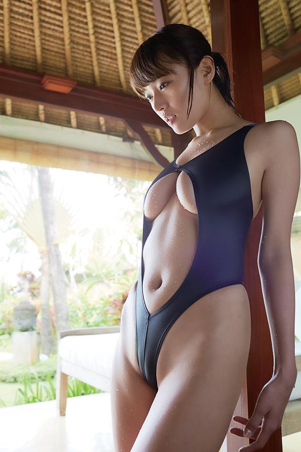 【グラドルエロ水着画像】露出多めなエロデザイン水着のグラビアアイドル画像 14