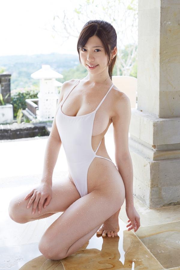 【グラドルエロ水着画像】露出多めなエロデザイン水着のグラビアアイドル画像 76
