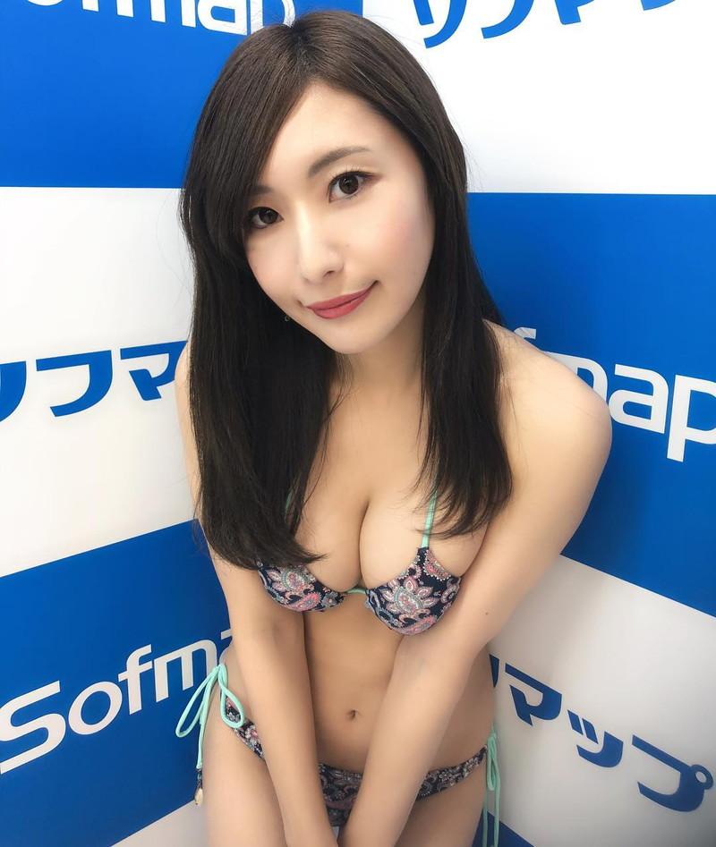【高坂ゆかりグラビア画像】元レースクイーンのGカップ巨乳グラドル美女画像 31