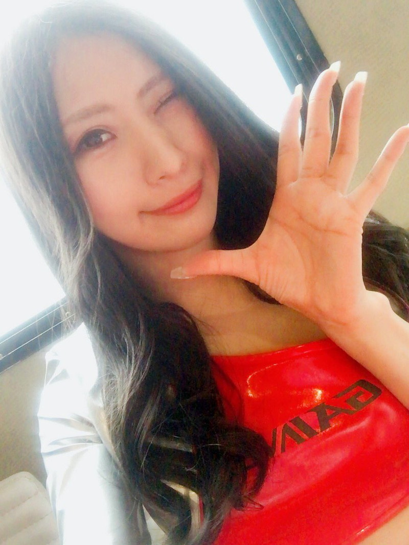 【高坂ゆかりグラビア画像】元レースクイーンのGカップ巨乳グラドル美女画像 41