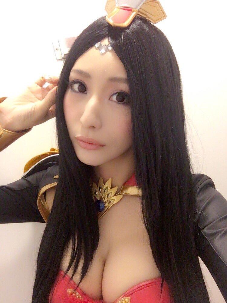 【高坂ゆかりグラビア画像】元レースクイーンのGカップ巨乳グラドル美女画像 58