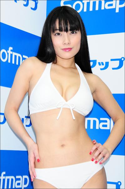 【春野恵グラビア画像】セクシー過ぎる魅力に溢れたGカップ巨乳美女画像 14