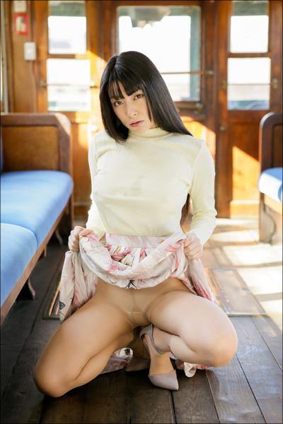 【春野恵グラビア画像】セクシー過ぎる魅力に溢れたGカップ巨乳美女画像 23