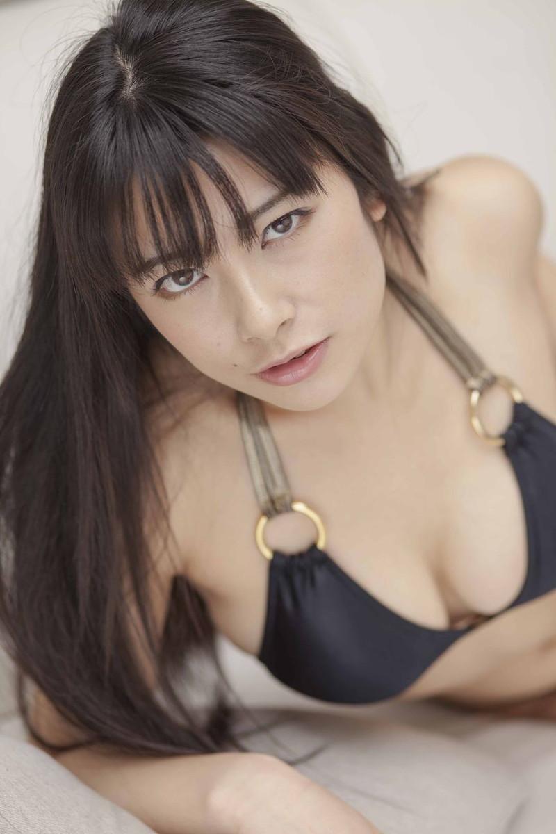 【春野恵グラビア画像】セクシー過ぎる魅力に溢れたGカップ巨乳美女画像 35