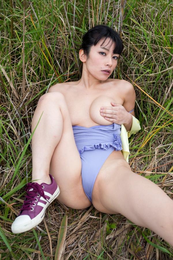 【春野恵グラビア画像】セクシー過ぎる魅力に溢れたGカップ巨乳美女画像 44