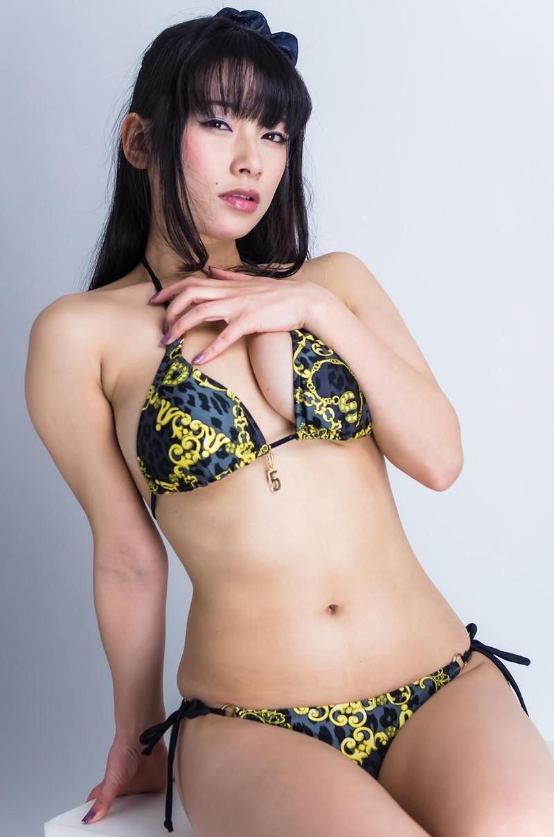 【春野恵グラビア画像】セクシー過ぎる魅力に溢れたGカップ巨乳美女画像 56