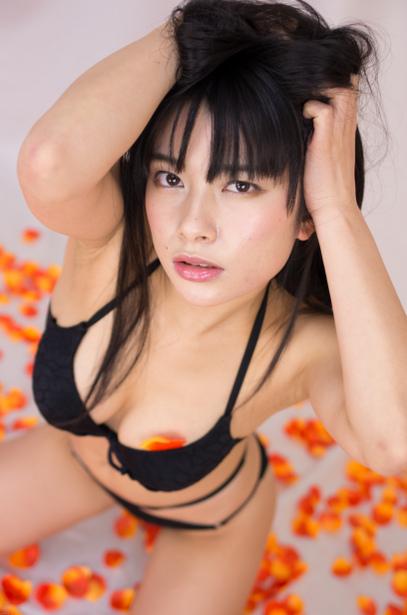 【春野恵グラビア画像】セクシー過ぎる魅力に溢れたGカップ巨乳美女画像 63