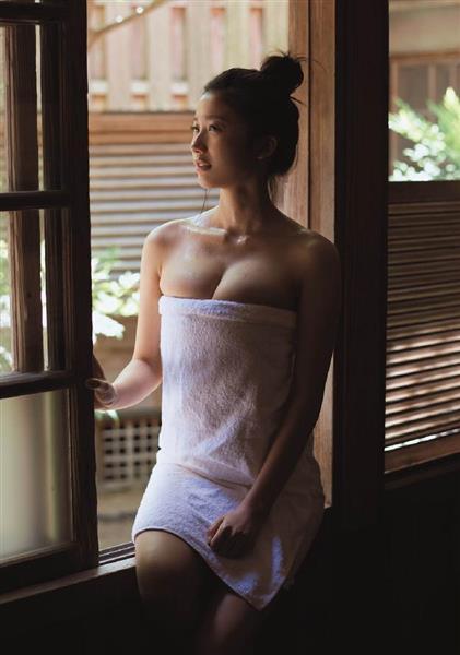 【小倉優香グラビア画像】リアル峰不二子と称される激エロGカップ巨乳グラドル! 57