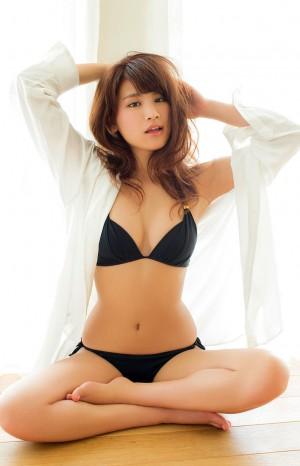 【久松郁実グラビア水着画像】モグラ女子として人気な久松郁実さんのビキニ画像 40