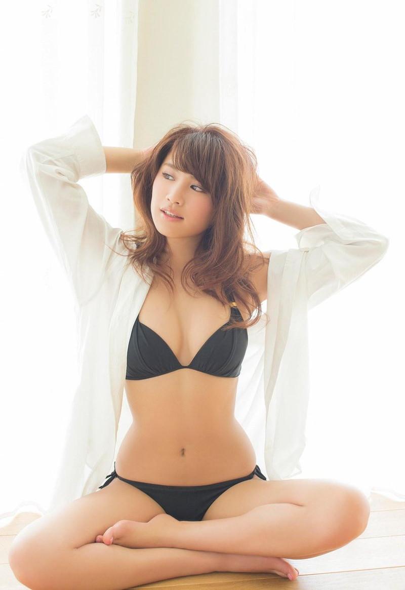 【久松郁実グラビア水着画像】モグラ女子として人気な久松郁実さんのビキニ画像 43