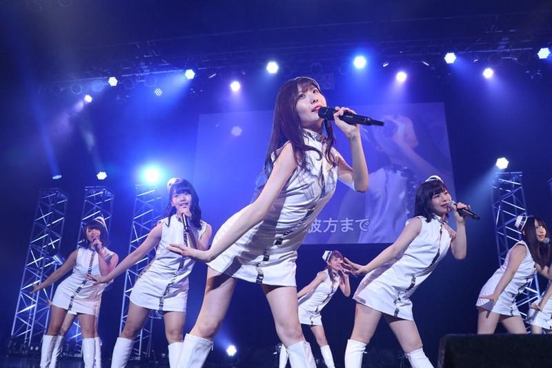 【AKB48パンチラ画像】可愛いミニスカ衣装でパンチラしそうなアイドル画像 44