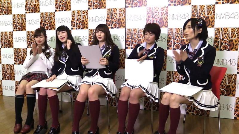 【AKB48パンチラ画像】可愛いミニスカ衣装でパンチラしそうなアイドル画像 75