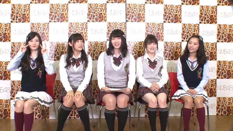 【AKB48パンチラ画像】可愛いミニスカ衣装でパンチラしそうなアイドル画像 76