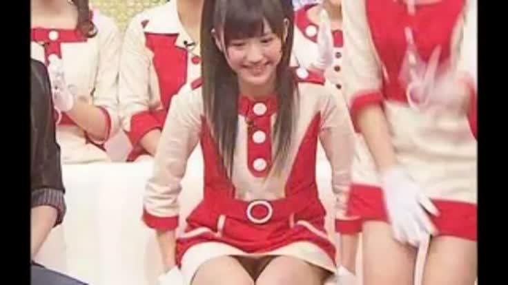 【AKB48パンチラ画像】可愛いミニスカ衣装でパンチラしそうなアイドル画像 78