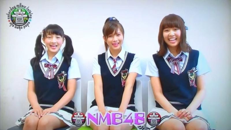 【AKB48パンチラ画像】可愛いミニスカ衣装でパンチラしそうなアイドル画像 80