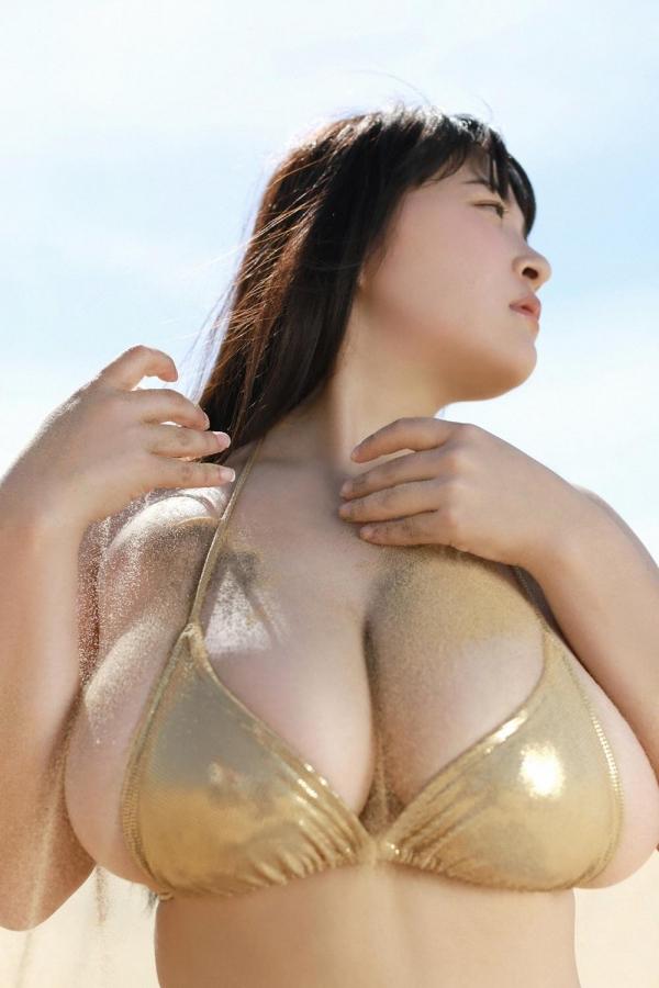 【グラドル爆乳画像】メートル超えバストでポロリしそうな爆乳グラドル画像 77