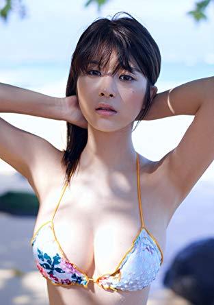 【馬場ふみかグラビア画像】目元のホクロが色っぽいモグラ女子のセクシーショット 17